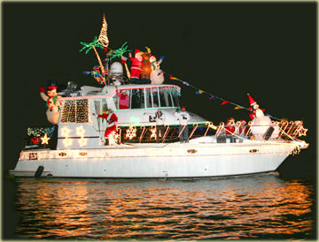Elegant My Boat And Christmas Decorations